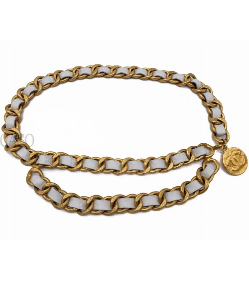 CHANEL VINTAGE MAXI BELT CHAIN AND WHITE LEATHER WITH MEDALLION
